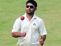 After Dozen Years With Up Piyush Chawla Join Parthiv Patels Gujarat