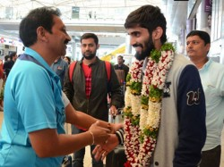 Kidambi Srikanth Returns Hyderabad After Winning Denmark