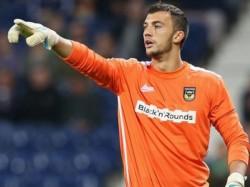 Max Crocombe Salford City Goalkeeper Sent Off Urinating
