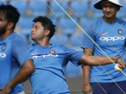 Kuldeep Yadav Bowls With Wet Hands At Nets Ahead 1st T20i Vs New Zealand