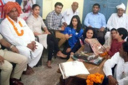 Cwg Gold Medalist Manu Bhaker Insulted Made Sit On Ground