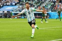Marcos Rojo Reveals What Lionel Messi Told Argentina S Players At Half Time Against