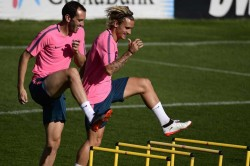 Friends Turn Rivals When Atletico Madrid Teammates Griezmann And Godin Face