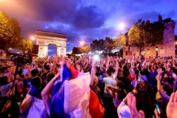 France Fans Celebrate Paris After Side Reaches The World Cup Final Video