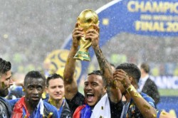 World Cup 2018 The Bizarre Trophy Presentation Caps Tournament