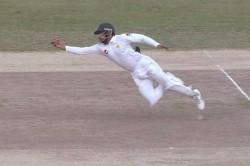 Video Babar Azam Takes Stunning Catch Dismiss Mitchell Starc During Pakistan