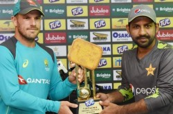 Icc Triggers Epic Twitter Troll As Pcb Unveils Biscuit Trophy For Pakistan Vs Australia