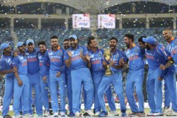 Ms Dhoni Bhai Asked Rohit Sharma Let Me Hold Asia Cup Trophy On Dias