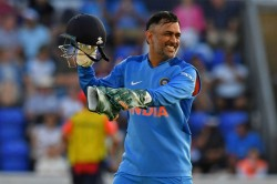 rd Odi Worst Day Behind The Stumps Ever Twitter Slams Dhoni For Ordinary Wicketkeeping