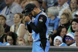 Rashid Khan Pays Tribute Late Father Takes Two Wickets Adelaide Strikers Win Over Thunder