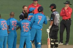 Live Colin De Grandhomme Leads Black Caps Fightback After Early Collapse In Second T20 Against India