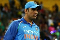 New Zealand Vs India Ms Dhoni Pokes Fun At Yuzvendra Chahal While Speaking To Kuladeep Yadav