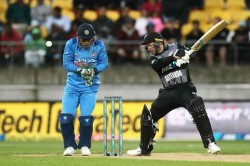 India Vs New Zealand 1st T20i New Zealand Lose Colin Munro After A Bright Start In Wellington