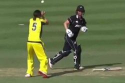 Australia Women S Cricketer Completes One The Most Bizarre Dismissals Ever Watch