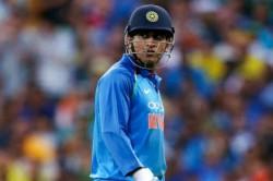 India Vs Australia 1st Odi Live Updates Kuldeep Dhoni Pair Removes Handscomb