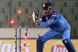 Ms Dhoni Understands Match Situations Better Than Bowlers Says Kuldeep Yadav