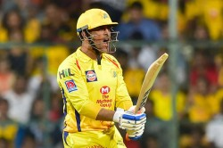 Bangalore Vs Chennai Ms Dhoni You Are A Freak Former Cricketers React On Twitter