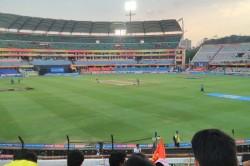 Ipl 2019 Match 33 Csk Vs Srh Rift Between Csk Fans Vs Uppal Stadium Management