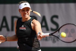 French Open Angelique Kerber Venus Williams Knocked Out In First Round