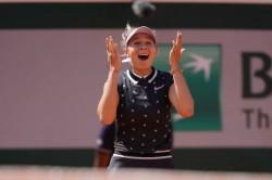 French Open 2019 Djokovic Sets Up Thiem Semi Final As Anisimova