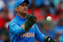 World Cup 2019 Ms Dhoni Changes Wicketkeeping Gloves No Army Crest This Time
