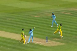 Watch Steve Smith And Marcus Stoinis Land At The Same End Due