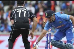 India Vs New Zealand Hasta La Vista Dhoni Icc Video Of Ms Dhonis Run Against New Zealand Out