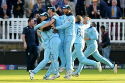 England Vs New Zealand Live Score Icc World Cup 2019 Final At Lords England Lift World Cup