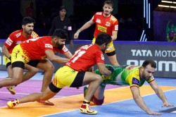 Pro Kabaddi League 2019 Rohit Gulia Super 10 Helps Gujarat Fortunegiants End Their Losing Streak
