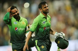 Shoaib Malik Mohammad Hafeez Dropped From Pcb Central Contracts