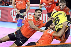 Pkl 2019 Fazel Atrachali S High 5 And Arjun Deshwal 9raid Points Help Umumba