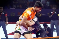 Pkl 2019 Abhishek Singh Scored A Super 10 U Mumba Rally Late To Tie Against Puneri Paltan