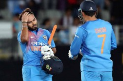 Fans Call For Ms Dhoni S Return After Yet Another Rishabh Pant Failure With The Bat