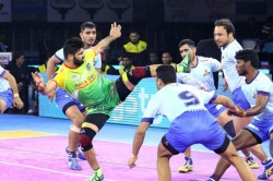 Pkl 7 Vijay And Anil Kumar Shines S Dabang Delhi Beat Patna Pirates Pardeep Narwals 19 Raid Points