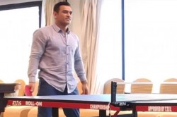 I Don T Do Rally Watch Ms Dhoni Stun Dwayne Bravo In Table Tennis Match