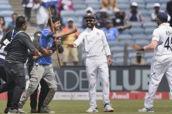India Vs South Africa Security Not There To Watch Free Match Gavaskar Fumes After Fan Invades Pitch