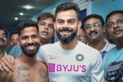 Ind Vs Sa Virat Kohli Met His Tattooed Super Fan Pintu Behra Ahead Of First Test