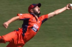 Peter Handscomb Dismissed By Cameron Valente S One Handed Catch In Marsh Cup