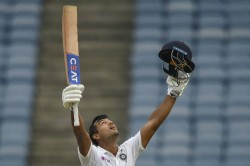 India Vs Bangladesh Mayank Agarwal Hits Third Test Ton Equals Merchat Sobers Closes In On Steve Sm