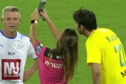 Yellow Card And A Selfie Referee Shares A Sweet Moment With Brazil Football Legend Kaka