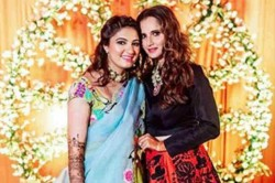 Sania Mirza S Pictures From Sister Anam Mirza S Mehendi Shine On Social Media