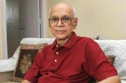 Rip Bapu Nadkarni Sunil Gavaskar Remembers Helpful Manager Sachin Tendulkar Offers Condolence