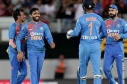 India Vs New Zealand 2nd T20i Ravindra Jadeja Strikes Put Ind On Top
