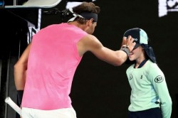 Rafael Nadal Meets Australian Open Ballgirl S Family In Another Sweet Gesture
