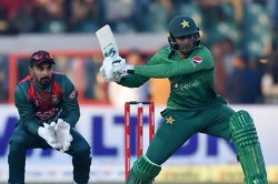 Shoaib Malik Shines On Return To Help Pakistan Take 1 0 Lead Vs Bangladesh