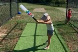 David Warner S Daughter Ivy Reacts Furiously After Failing To Hit Ball