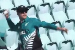 Value Of Spectators Aaron Finch Hits A Six Kiwi Pacer Forced To Retrieve Ball From Empty Stands