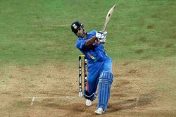 Ms Dhoni S 2011 World Cup Bat Auctioned For Rs 83 Lakhs For Wife Charitable Trust