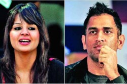 Ms Dhoni S Wife Sakshi Singh Hits Out At False News