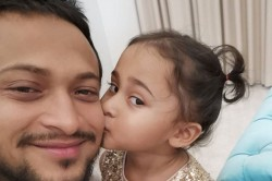 Painful I Can T See My Daughter Shakib Al Hasan In Self Isolation After Reaching Us